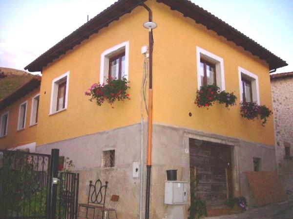 Vendita terreni in umbria for 2 bay garage con soppalco
